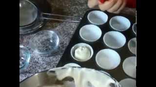 戚风杯子蛋糕及裱花