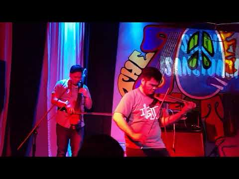 Malayo na Tayo (LIVE) by: Silent Sanctuary at 70's Bistro