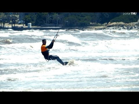 Kitesurf, un deporte que crece en Uruguay