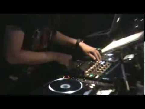 MUFFIN SANDERS feat Niken Indigo at X9 Club JAKARTA
