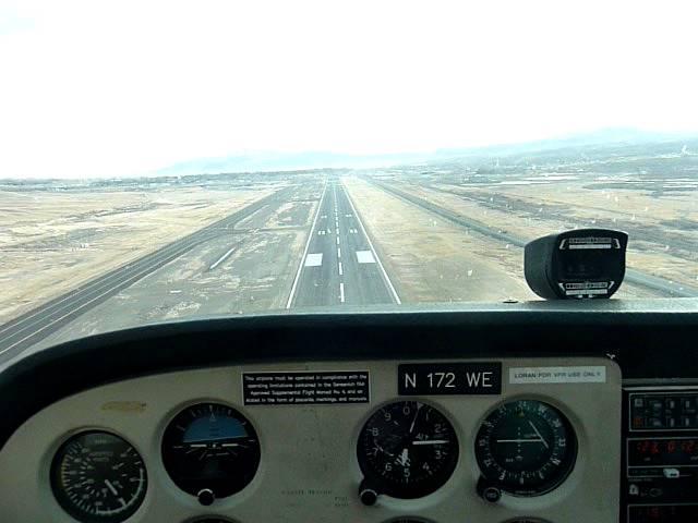 Landing in Elko, NV (KEKO) on Runway 5 in a Cessna 172 (N172WE)