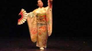 Beautiful Japanese Fan Dance