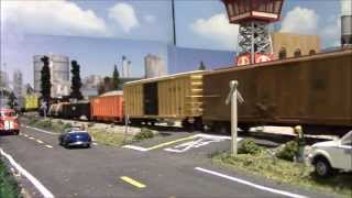 HIGHBALL CSX/NS FREIGHT TRAIN UP THE MAINLINE! HO SCALE LAYOUT - 4-6-14