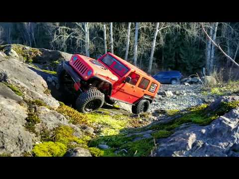 "HPI Toyota Venture Fj Cruiser with New Scx10""ll Jeep Rubicon First Part"
