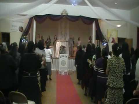 Lydia Castoire Singing Su Gloria Cubrio Los Cielos/El Shaddai Church JC,NJ