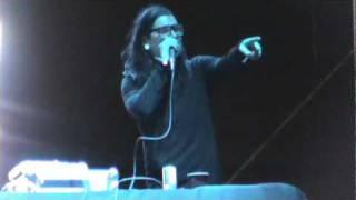 Skrillex (Sonny Moore) telling off some guy (2011 NeverSayNever Music Festival) thumbnail