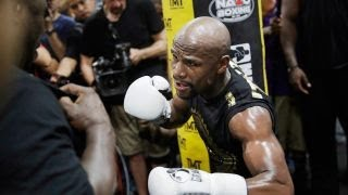 Floyd Mayweather launches boxing gym fitness business