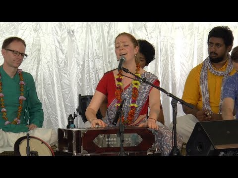 HG Jahnavi Harrison - Sacred Sound Kirtan 2017 - Day 3 (AM)