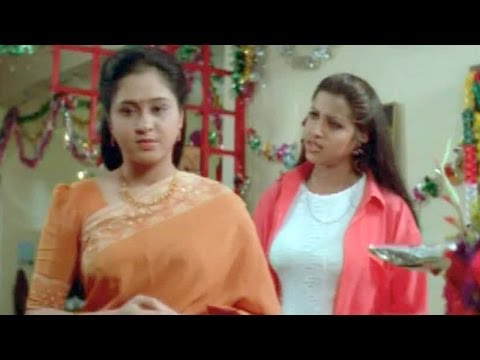 Suswagatham Scenes - Sandhya Birthday Celebrations In Her House - Devayani
