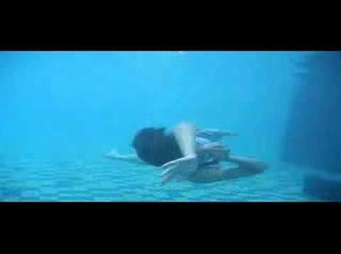 Putri Duyung Swimming