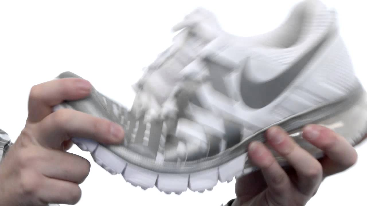 6badc97edcc9 Nike - Fingertrap Max SKU  8299911 - YouTube