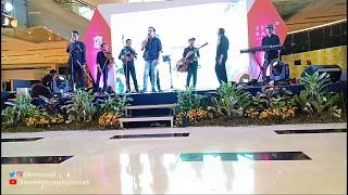 MENUNGGU KAMU (COVER) - DANU - LIVE @ GRAND CITY