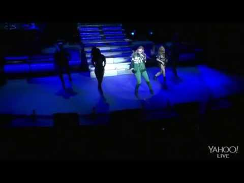 Iggy Azalea - On The Road (Yahoo! Live 5 december 2014) (Full Show) (720p)