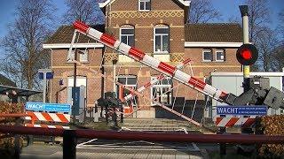 Spoorwegovergang Zetten-Andelst // Dutch railroad crossing