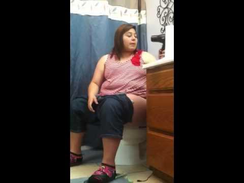 Peeing my pants!Kaynak: YouTube · Süre: 1 dakika40 saniye