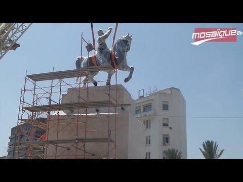 Tunis: La statue de Bourguiba retrouve sa place
