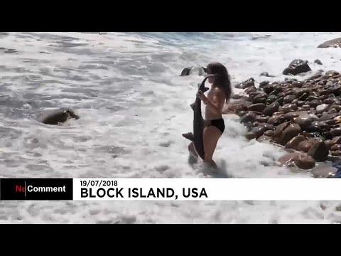 شاهد: فتاة تنقذ سمكة قرش في شواطئ جزيرة بلوك الأمريكية  - نشر قبل 2 ساعة