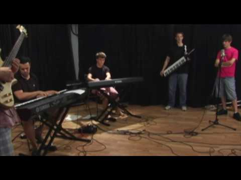 MICHAEL MORITZ KEYBOARD FUNK IMPROVISATION SIT IN