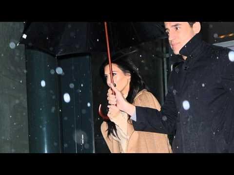 Ким Кардашян прогулялась в босоножках по снегу