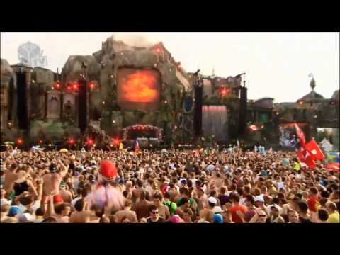 Knife Party on Main Stage live @ Tomorrowland 2013