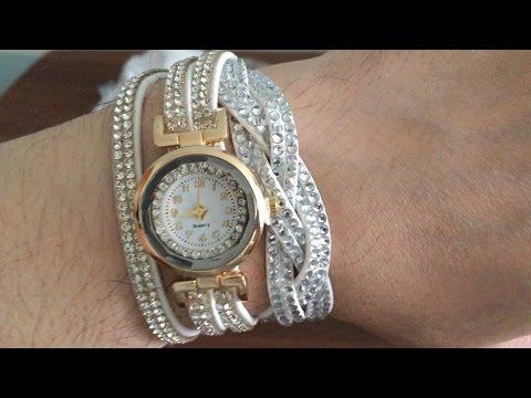 Женские наручные часы с браслетом