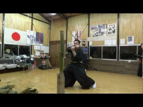神業!? 居合斬り 空蝉 Utsusemi (Japanese Sword Test Cutting)