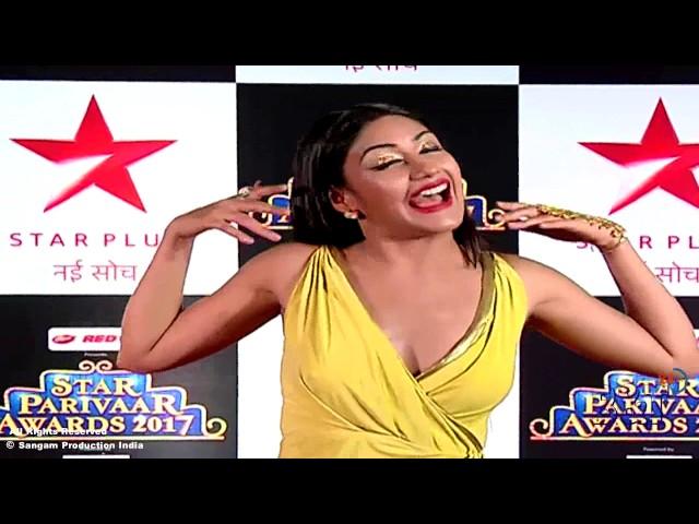 Ishqbaaazs Annika Showing Deep Cleavage Assets at Red Carpet of Star Parivaar Awards