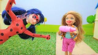 ЛедиБаг, СуперКот и Челси - Играем в куклы - Видео для детей