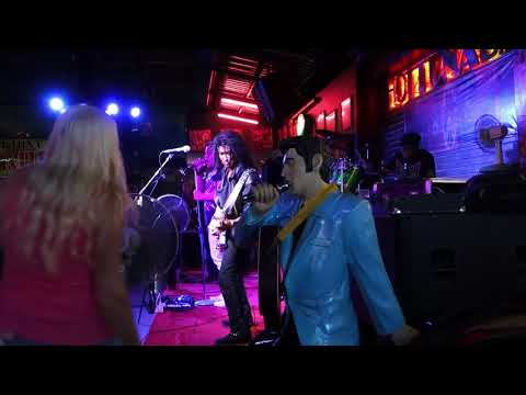 Lam Morrison, Thailand's Guitar King -- Live at Pattaya Hot Tuna Bar
