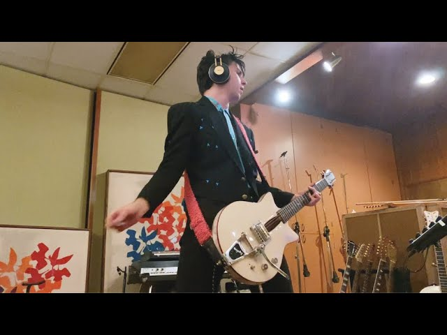 Starcrawler- I Need To Know feat. Mike Campbell