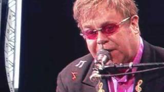 Elton John - Skyline Pigeon (Live in Sweden 2009)