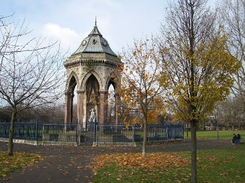 Places To See In ( London - UK ) Victoria Park