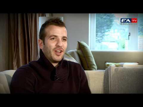 Tottenham's Van der Vaart on Dutch mentality | England vs Holland preview