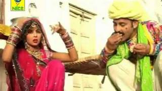 Rajasthani Wedding Songs - Main Padhti Delhi Collage - Do Do Chudla Pahenti