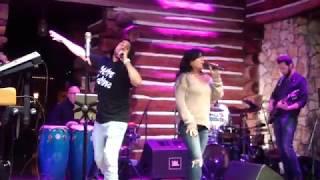 Metro Latino Band - Echame La Culpa en vivo