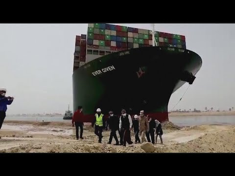 Cargo ship could be stuck in Suez Canal for weeks
