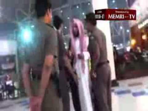 Saudi woman defies religious police over nail polish  Yahoo!  Maktoob.flv