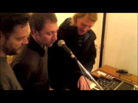 Kraak & Smaak in the studio #1: Vocoder fun
