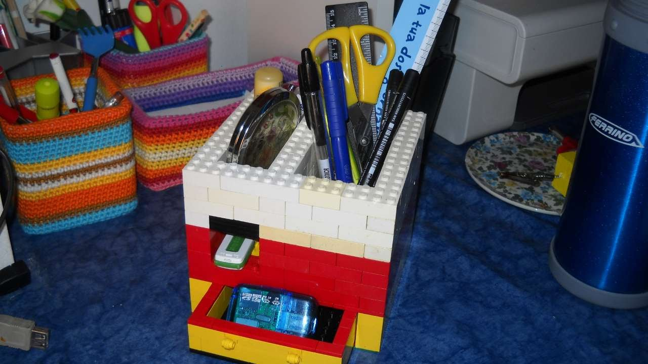 How To Make A Lego Pen Holder With Drawer Diy Crafts