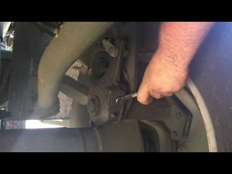 How to adjust drum brakes and measure brake chamber stroke on a semi