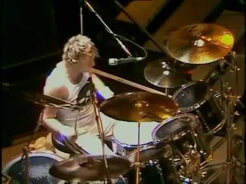 Roger Taylor cam  Live at Wembley 1986  HQ