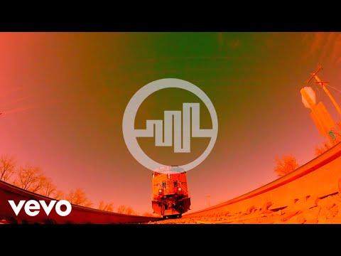 Bohemia Suburbana - Tengo Que Llegar (Lyric Video)