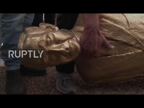Israel: Golden statue of Netanyahu toppled by protesters
