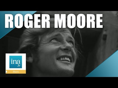 "Roger Moore tourne ""Amicalement vôtre"" à Nice 