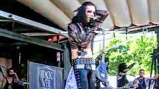Black Veil Brides @ Vans Warped Tour (ANDY SIX FALLS !)