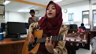 MERDU BANGET Bojoku Galak Akustik Cover by Irta Qasima