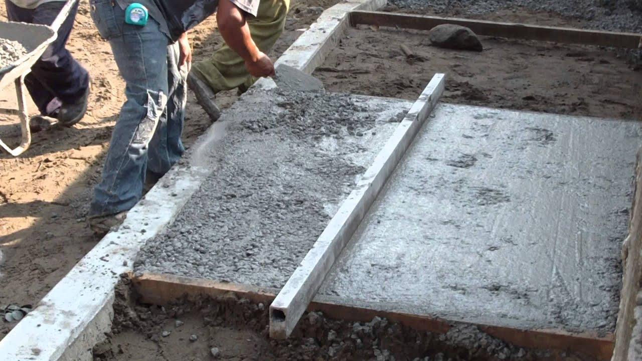 Construcci n de banquetas o aceras 2 youtube for Banquitas de madera para jardin