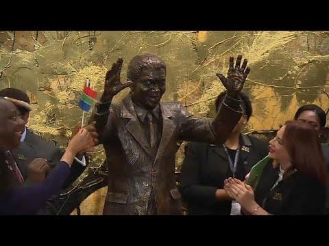 شاهد : الأمم المتحدة تحتفل بعيد ميلاد نيلسون مانديلا المئة بالكشف عن تمثال له…