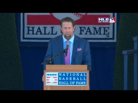 Jeff Bagwell is inducted into the Hall of Fame
