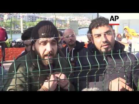 Migrants returned to Turkey by coastguard